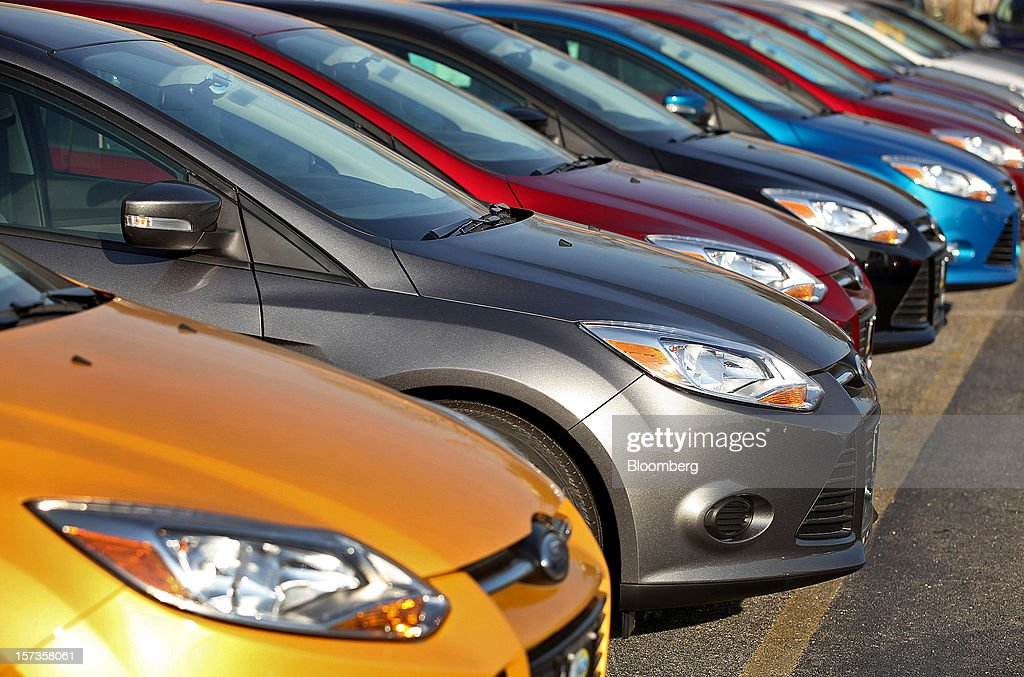 Ford Motor Co vehicles are displayed for sale on the lot at Golf Mill Ford car & Golf Mill Ford Stock Photos and Pictures | Getty Images markmcfarlin.com