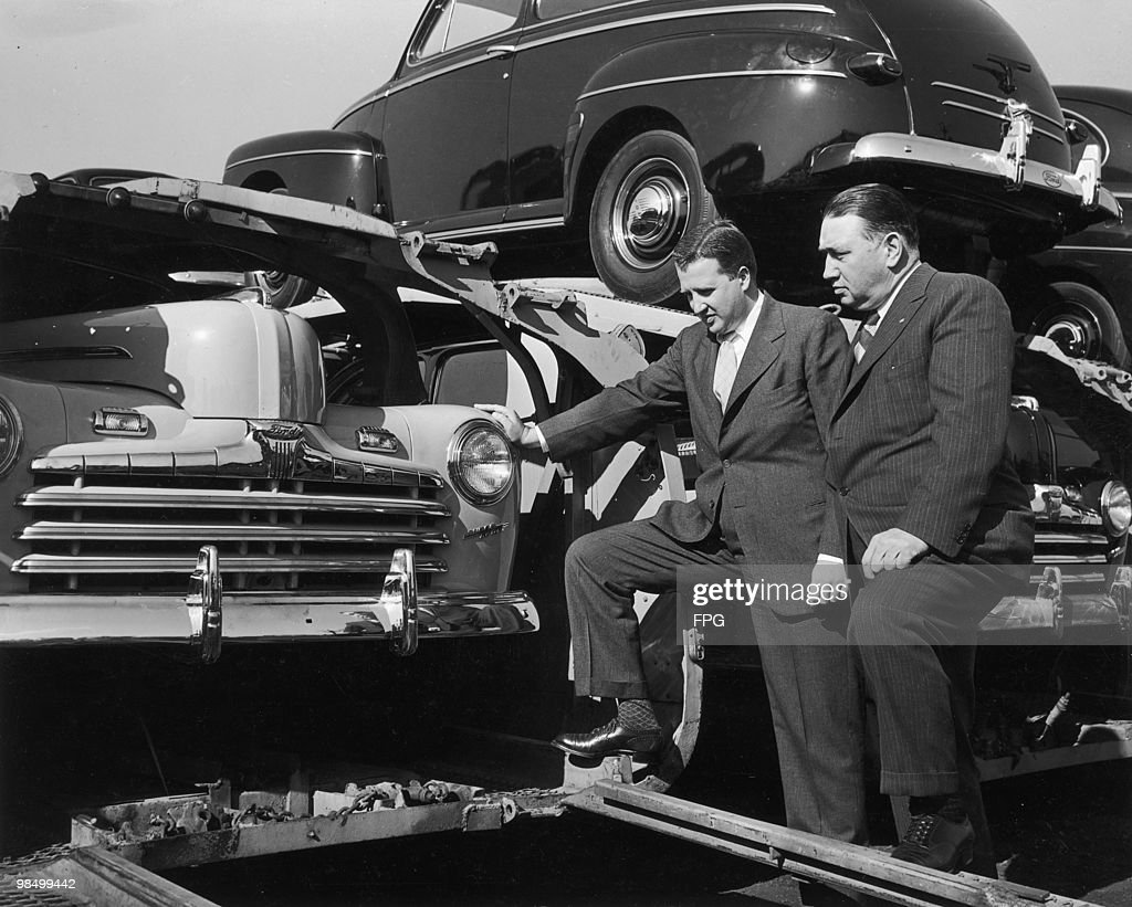 Ford Motor Company CEO Henry Ford II (1917 - 1987 left) and vice  sc 1 st  Getty Images & Postwar Ford Pictures | Getty Images markmcfarlin.com