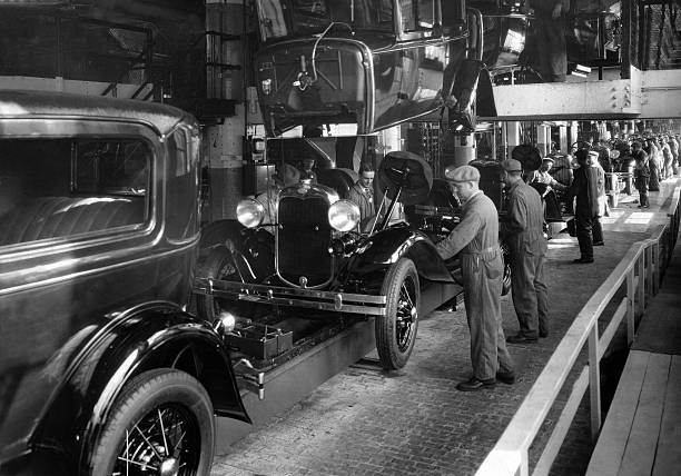 Usa ford motor company work on the assembly line for Ford motor company usa