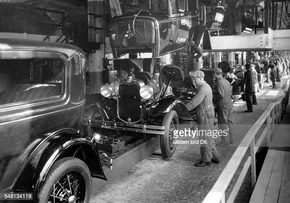Flie band stock photos and pictures getty images for Ford motor co parts dept