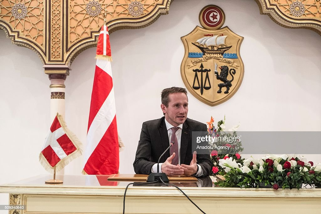 Foreign Minister of Denmark, Kristian Jensen (C) gives a press conference after a meeting with Tunisian Foreign Minister Khemaies Jhinaoui (not seen) at Foreign Ministry Building in Tunis, Tunisia on February 10, 2016.