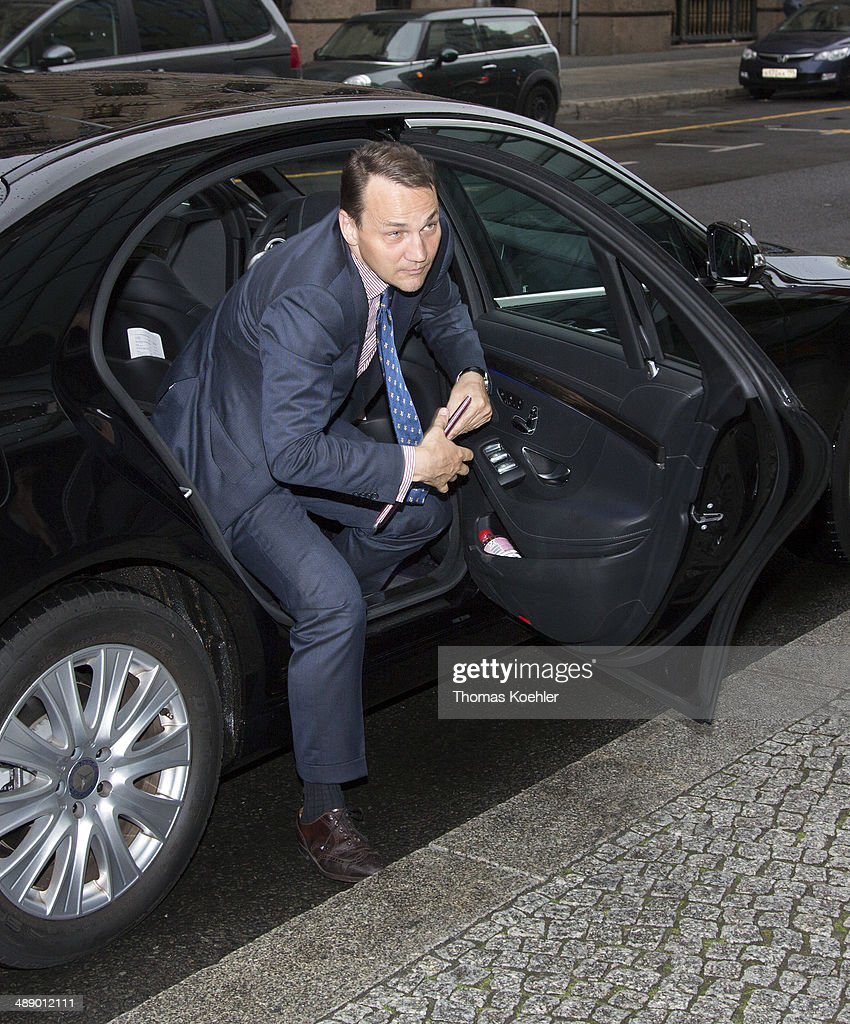 Foreign Minister of Poland <a gi-track='captionPersonalityLinkClicked' href=/galleries/search?phrase=Radoslaw+Sikorski&family=editorial&specificpeople=736409 ng-click='$event.stopPropagation()'>Radoslaw Sikorski</a> arrives for a meeting with German Foreign Minister Frank-Walter Steinmeier (unseen) on May 9, 2014 in Berlin, Germany.