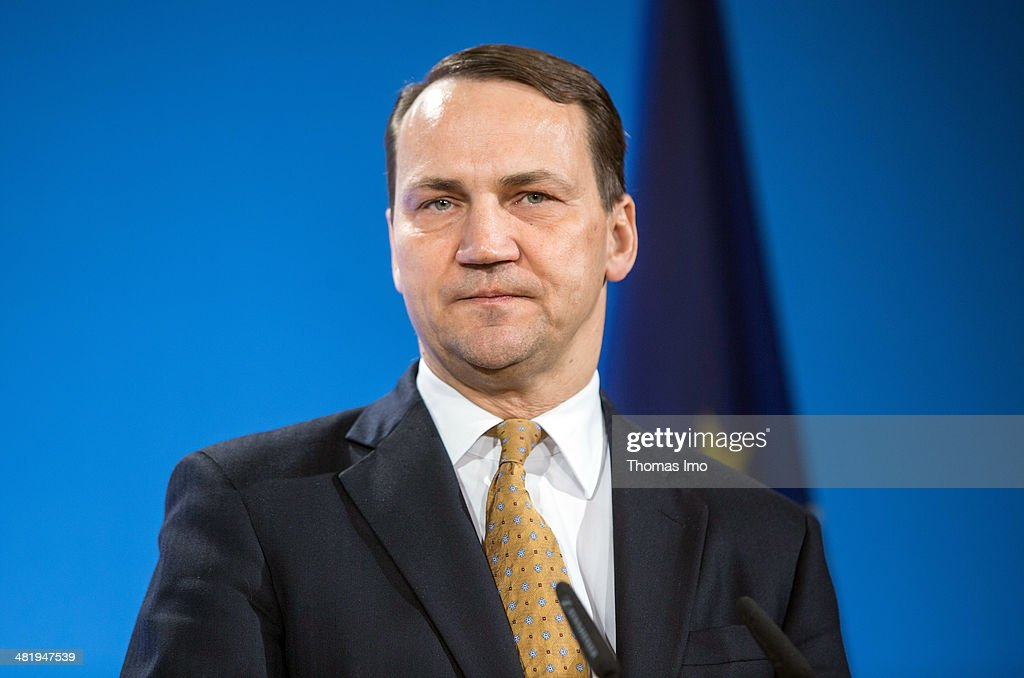 Foreign Minister of Poland, <a gi-track='captionPersonalityLinkClicked' href=/galleries/search?phrase=Radoslaw+Sikorski&family=editorial&specificpeople=736409 ng-click='$event.stopPropagation()'>Radoslaw Sikorski</a>, attends a press conference during foreign ministers meeting Weimar Triangle (Weimarer Dreieck) on April 01, 2014 in Weimar, Germany.