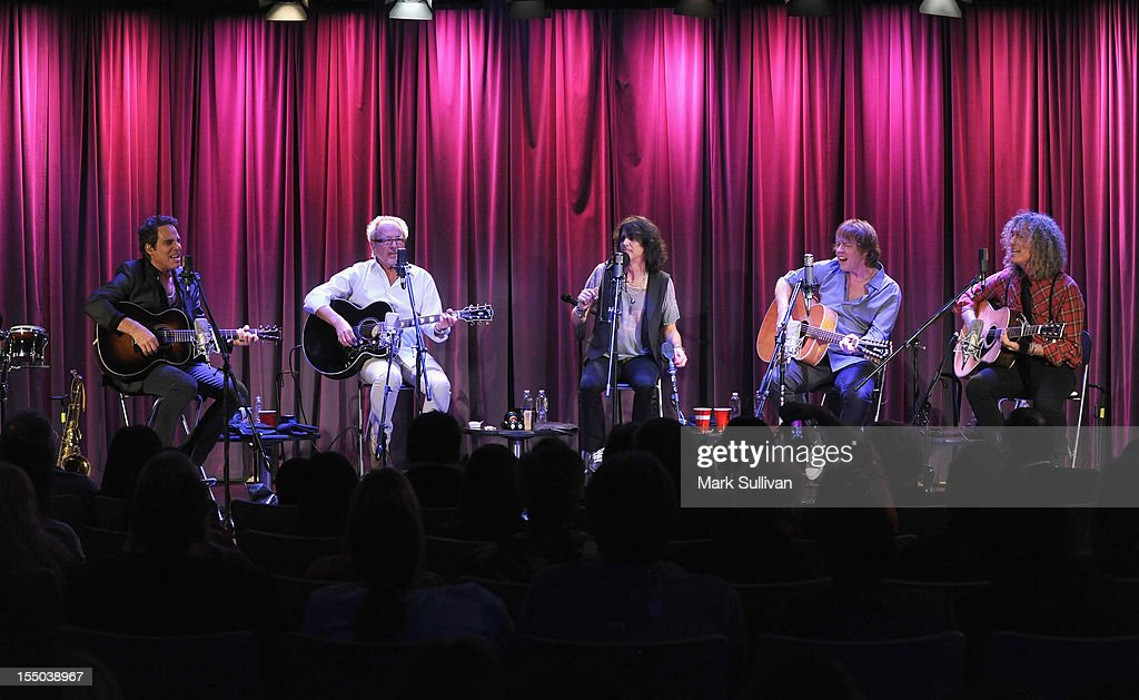 Foreigner members (L-R) Tom Gimbel, Mick Jones, <a gi-track='captionPersonalityLinkClicked' href=/galleries/search?phrase=Kelly+Hansen&family=editorial&specificpeople=868991 ng-click='$event.stopPropagation()'>Kelly Hansen</a>, Jeff Pilson and Bruce Watson perform during Juke Box Heroes: An Evening With Foreigner at The GRAMMY Museum on October 30, 2012 in Los Angeles, California.
