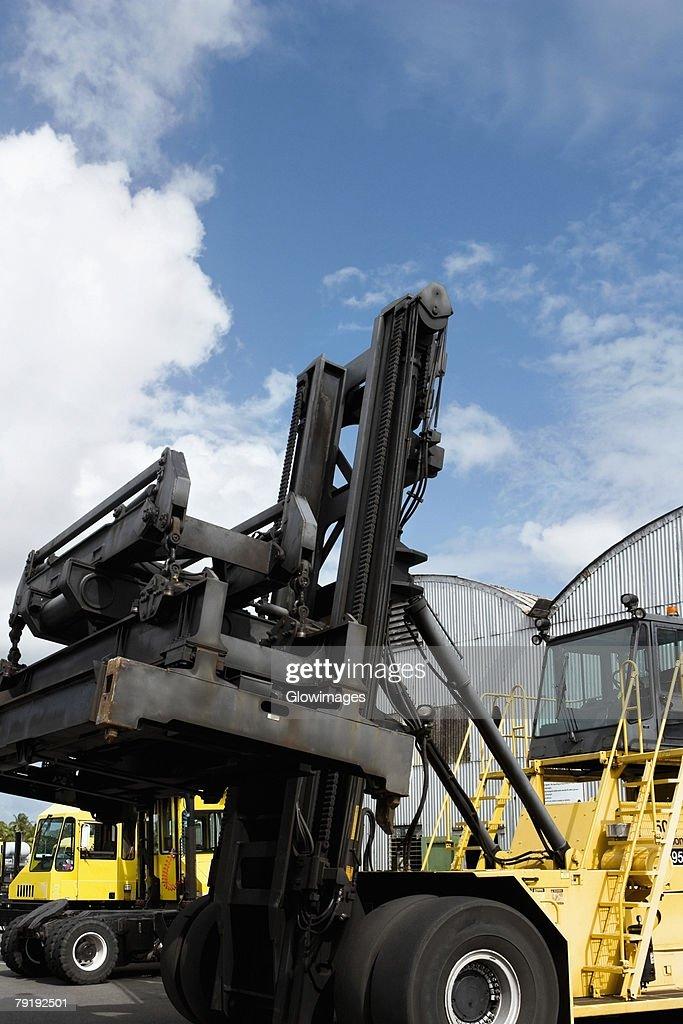 Forklifts at a commercial dock : Foto de stock