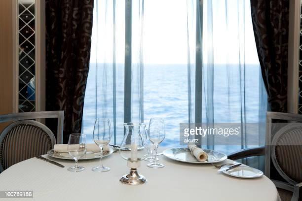 Formelles Abendessen Tisch für zwei Personen im Dining Room