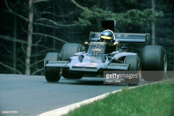 Formel 1 Grand Prix Deutschland 1973 Nuerburgring Nordschleife Ronnie Peterson LotusFord 72E Sprung wwwhochzweinet copyright HOCH ZWEI / Ronco