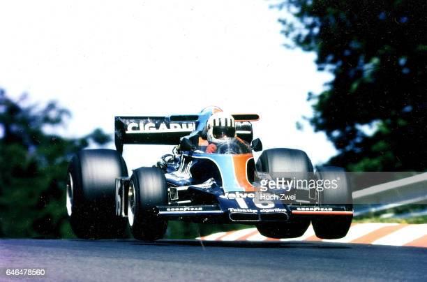 Formel 1 Grand Prix Deutschland 1976 Nuerburgring Nordschleife Tom Pryce ShadowFord DN5B Sprung wwwhochzweinet copyright HOCH ZWEI / Ronco