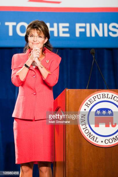 Former Alaska Governor Sarah Palin speaks at the Republican National Committee Final 2010 Victory fundraising rally October 23 2010 in Lake Buena...