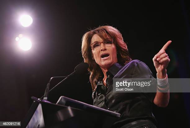 Former Alaska Governor Sarah Palin speaks to guests at the Iowa Freedom Summit on January 24 2015 in Des Moines Iowa The summit is hosting a group of...