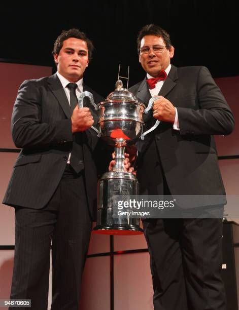 Former All Black Wayne Shelford presents Zac Guildford with the Tom French Memorial Trophy for Maori Player of the Year during the 2009 Steinlager...