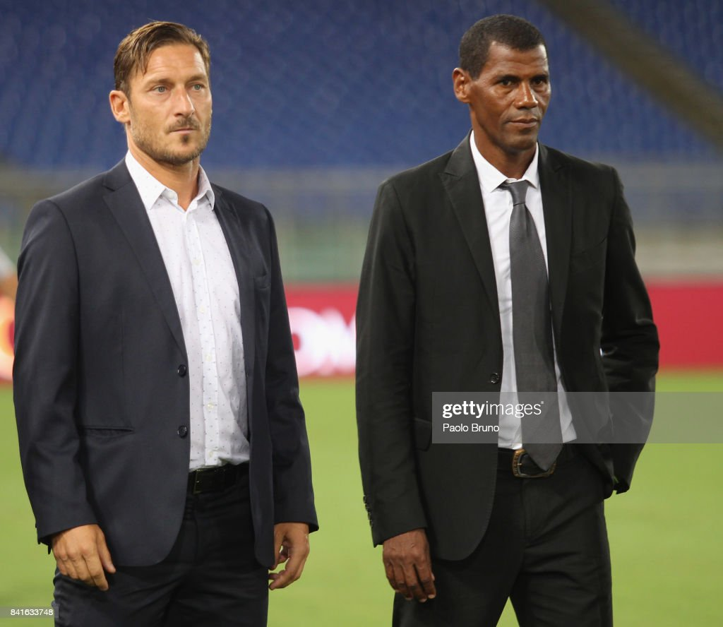 Former AS Roma players Francesco Totti and Aldair pose during the friendly match between AS Roma and Chapecoense at Olimpico Stadium on September 1, 2017 in Rome, Italy.