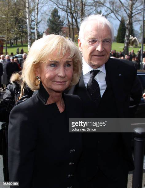 Former Bavarian state governor Edmund Stoiber and his wife Karin arrive for the funeral service for Wolfgang Wagner at festival opera house on April...
