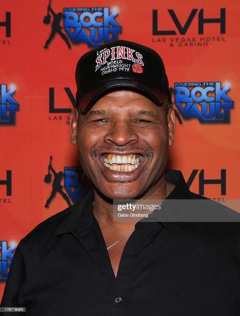 Former boxer and honoree <a gi-track='captionPersonalityLinkClicked' href=/galleries/search?phrase=Leon+Spinks&family=editorial&specificpeople=752908 ng-click='$event.stopPropagation()'>Leon Spinks</a> arrives at the 'Night of the Champion' event hosted by the cast members of 'Raiding the Rock Vault' at The Las Vegas Hotel & Casino on August 17, 2013 in Las Vegas, Nevada.