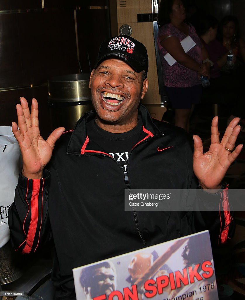 Former boxer and honoree <a gi-track='captionPersonalityLinkClicked' href=/galleries/search?phrase=Leon+Spinks&family=editorial&specificpeople=752908 ng-click='$event.stopPropagation()'>Leon Spinks</a> attends the 'Night of the Champion' event hosted by the cast members of 'Raiding the Rock Vault' at The Las Vegas Hotel & Casino on August 17, 2013 in Las Vegas, Nevada.