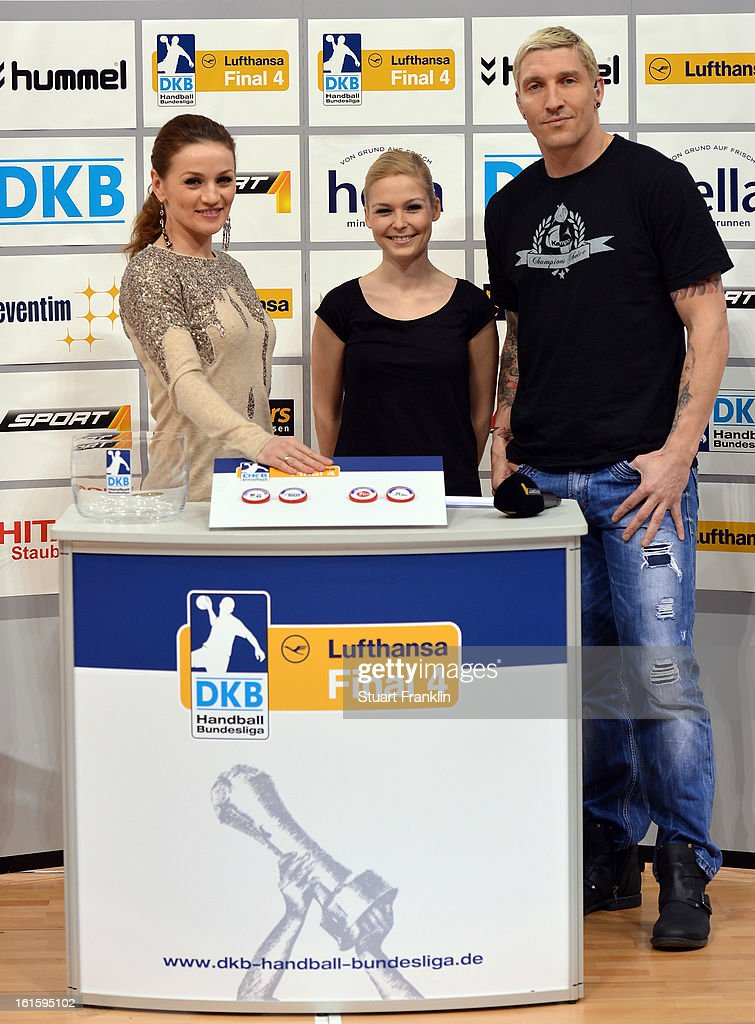 Former boxer Ina Menzer, presenter Anett Sattler and former national handballer Stefan Kretzschmar at the draw for the Lufthansa final four prior to the start of the Bundesliga match between Hamburger SV and SC Magdeburg at the O2 world on February 12, 2013 in Hamburg, Germany.