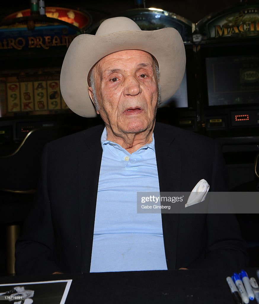 Former boxer Jake 'The Raging Bull' LaMotta attends the 'Night of the Champion' event to honor former boxer Leon Spinks hosted by the cast members of 'Raiding the Rock Vault' at The Las Vegas Hotel & Casino on August 17, 2013 in Las Vegas, Nevada.