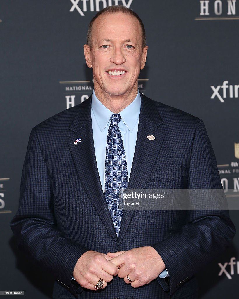 Ê Former Buffalo Bills quarterback <a gi-track='captionPersonalityLinkClicked' href=/galleries/search?phrase=Jim+Kelly+-+American+Football+Player&family=editorial&specificpeople=216547 ng-click='$event.stopPropagation()'>Jim Kelly</a> attends the 2015 NFL Honors at Phoenix Convention Center on January 31, 2015 in Phoenix, Arizona.Ê