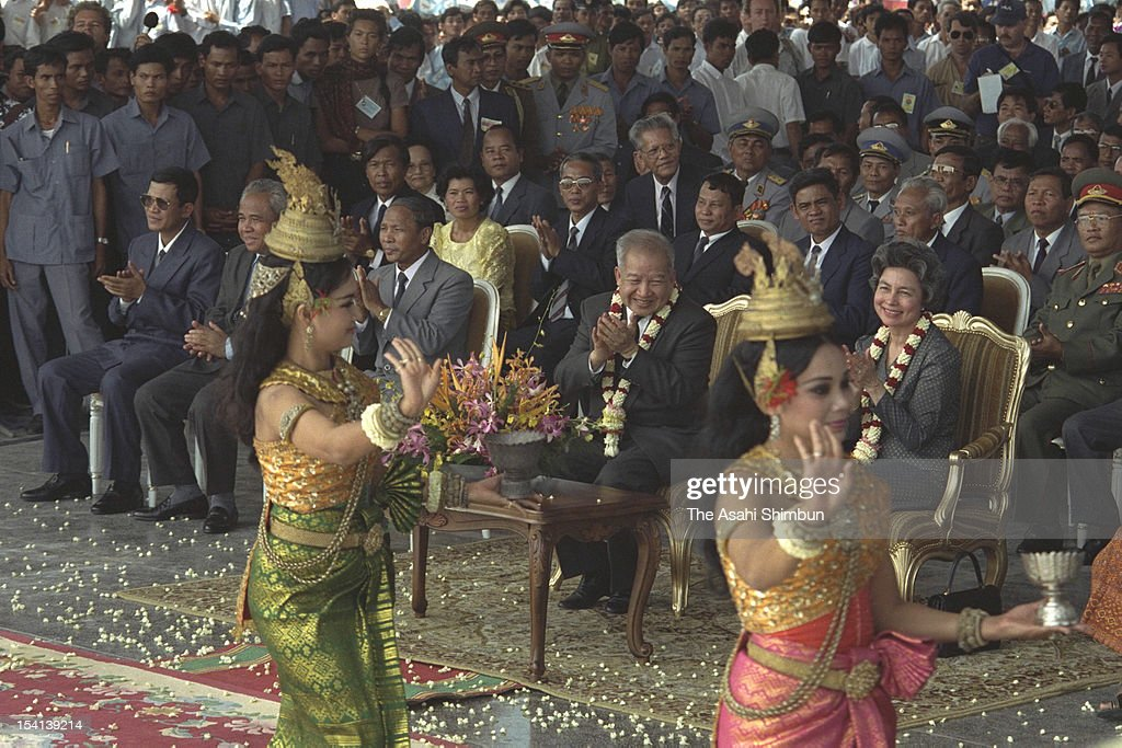 Former Cambodian King, Prince <a gi-track='captionPersonalityLinkClicked' href=/galleries/search?phrase=Norodom+Sihanouk&family=editorial&specificpeople=210861 ng-click='$event.stopPropagation()'>Norodom Sihanouk</a> (C) attend the welcome ceremony to celebrate Sihanouk's return to Cambodia for the first time in almost 13 years, on November 14, 1991 in Phnom Penh, Cambodia.