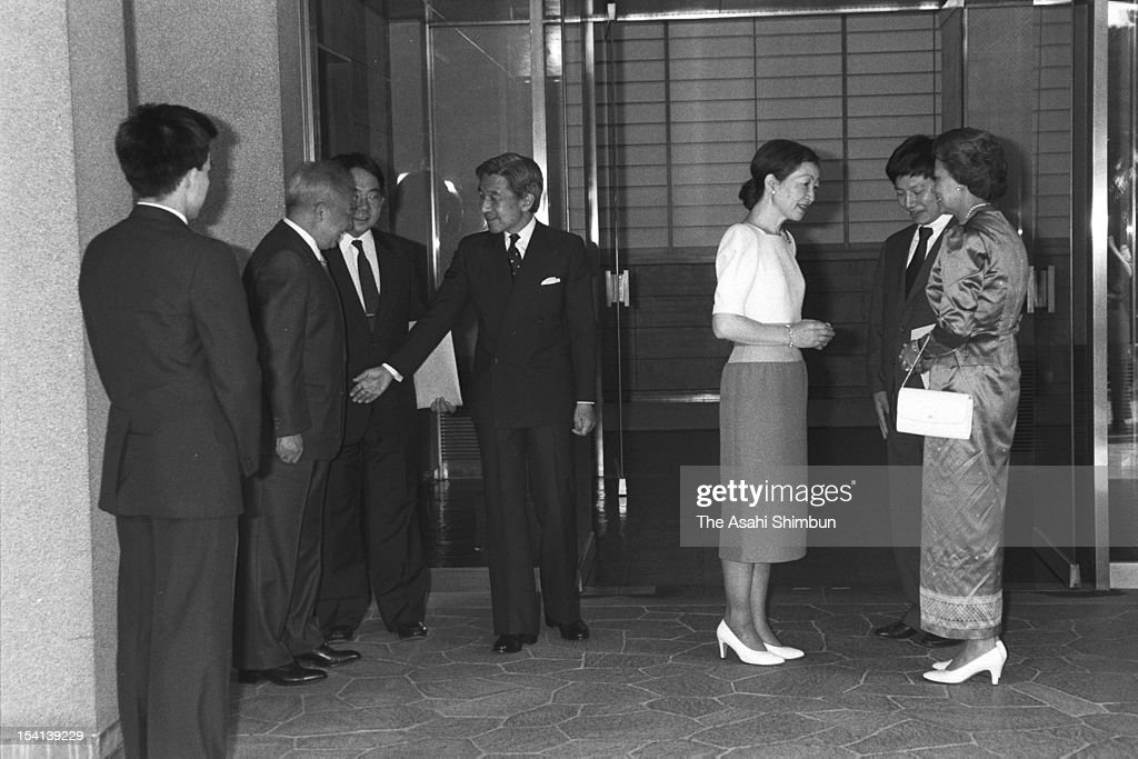 Former Cambodian King, Prince <a gi-track='captionPersonalityLinkClicked' href=/galleries/search?phrase=Norodom+Sihanouk&family=editorial&specificpeople=210861 ng-click='$event.stopPropagation()'>Norodom Sihanouk</a> (2L) is welcomed by Crown Prince Akihito (4L) and Crown Princess Michiko (3R) at Togu Palace on August 9, 1988 in Tokyo, Japan.