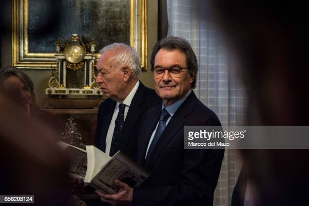 Former Catalan president Artur Mas and former Spanish Minister of Foreign Affairs and Cooperation Jose Manuel GarcaMargallo before a debate in Ateneo