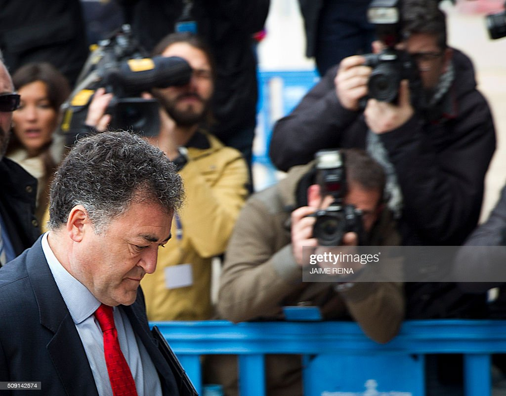 Former CEO of Sports activities for the Balearic Government Jose Luis âPepoteâ? Ballester (L) arrives for a hearing in the courtroom at the Balearic School of Public Administration (EBAP) building in Palma de Mallorca, on the Spanish Balearic Island of Mallorca on February 9, 2016. The trial for corruption in a high stakes case of Spain's Princess Cristina, the sister of King Felipe VI, and her husband, former Olympic handball player Inaki Urdangarin, started again today in Palma. / AFP / JAIME REINA