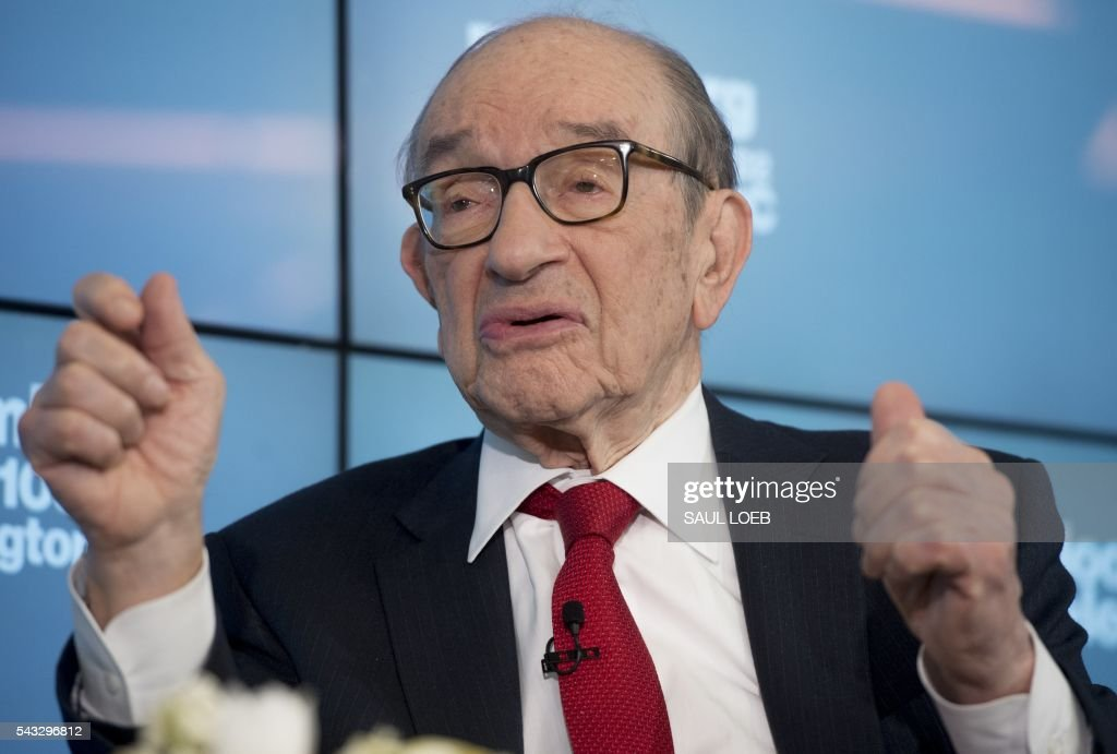 Former Chairman of the Federal Reserve Alan Greenspan speaks about 'Brexit' and the state of the European and US economies during a discussion with Bloomberg Government at their offices in Washington, DC, June 27, 2016. / AFP / SAUL