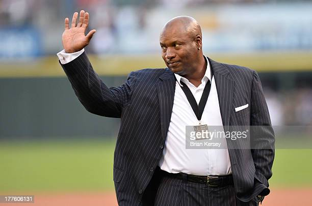 Former Chicago White Sox and Kansas City Royals player and Heisman Trophy winner Bo Jackson waves to the crowd as as he is introduced before the 2013...