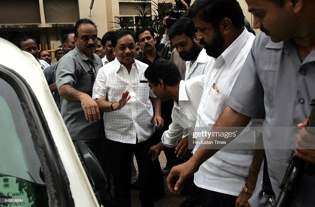 Former Chief Minister and Opposition Leader Narayan Rane arriving for BEST Union Meeting at Municipal High School, Lower Parel after he announced his resignation as MLA on July 23, 2005 in Mumbai, India.