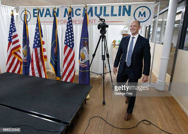 Former CIA agent Evan McMullin approaches the stage to announce his presidential campaign as an Independent candidate on August 10 2016 in Salt Lake...