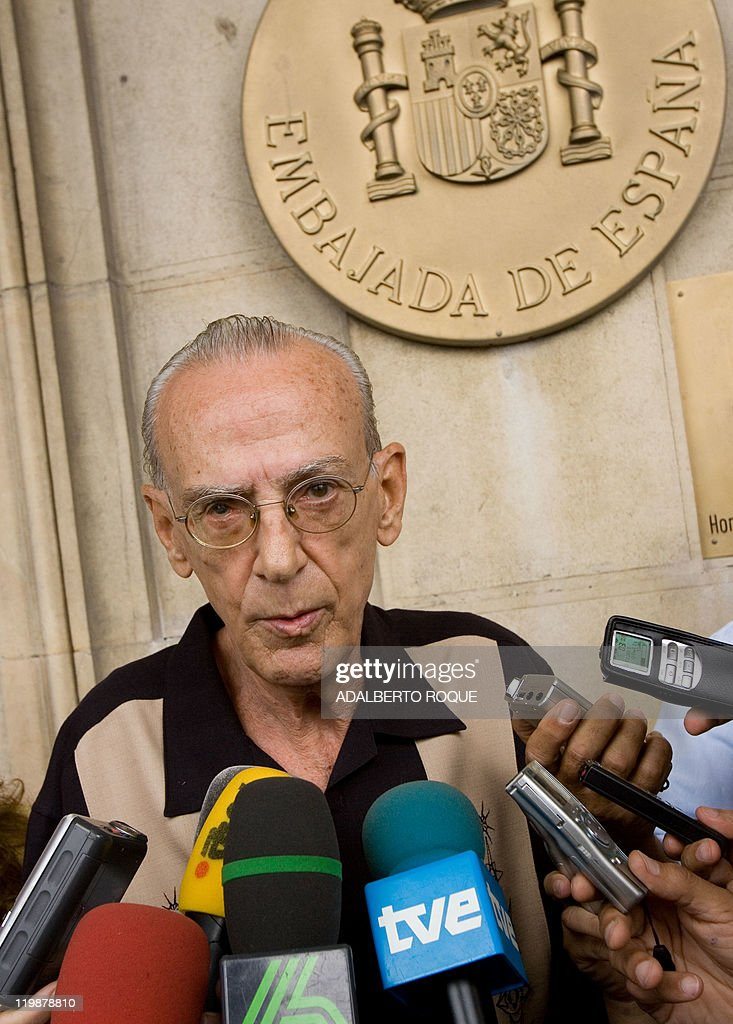 Former Cuban Revolutionary commander Eloy Gutierrez Menoyo, presently an opponent of the government of President Fidel Castro, speaks for the press 04 April, 2007 at the Spanish embassy in Havana. Martinez Menoyo and other dissidents were received in the Spanish legacy after the three-day visit of Spain's Foreign Minister Miguel Angel Moratinos, and not during it, as they expected. Cuba and Spain renewed ties damaged by Havana's 2003 crackdown on dissidents, who on Tuesday saw little hope in the bilateral agreement to discuss human rights and to reinstate Spanish aid. The deals were struck on the second day of the visit by Moratinos, whose government has spearheaded efforts to revive European Union-Cuban relations hurt by Havana's jailing of 75 dissidents four years ago.