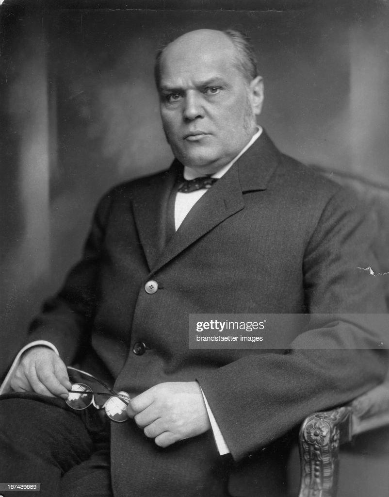 Former Czechoslovak prime minister Antonín vehla. About 1930. Photograph. (Photo by Imagno/Getty Images) Der ehemalige tschechoslowakischer Ministerpräsident Antonín vehla. Um 1930. Photographie.