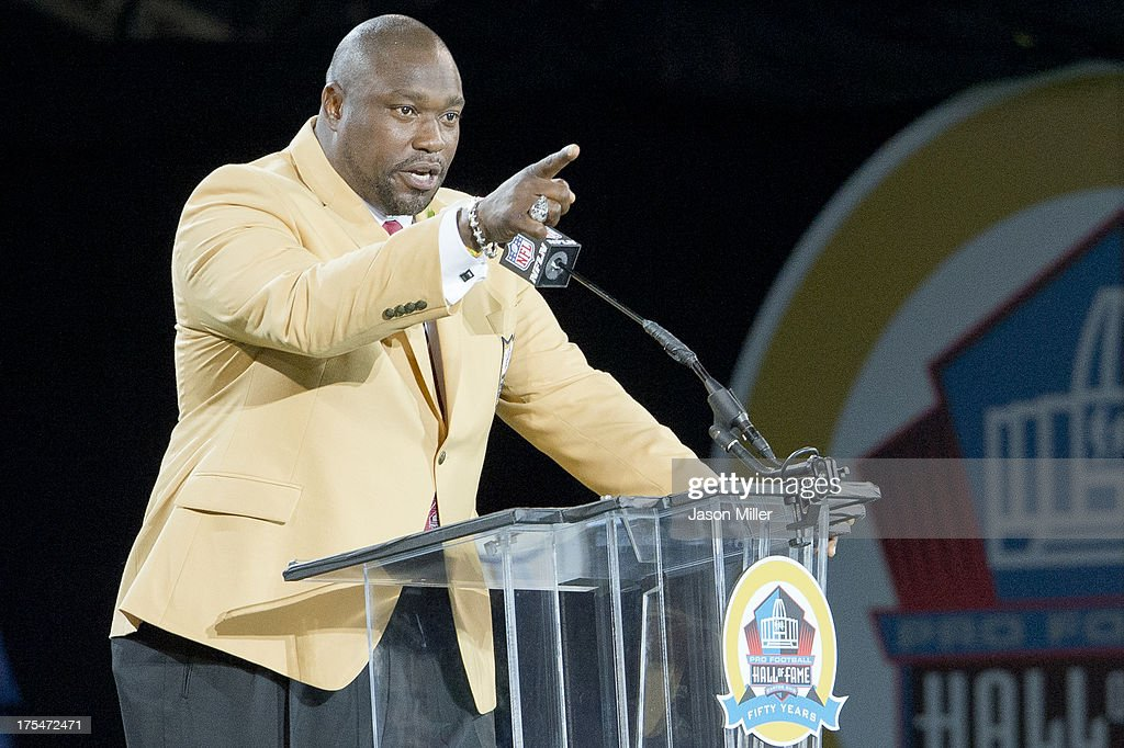 Former defensive tackle <a gi-track='captionPersonalityLinkClicked' href=/galleries/search?phrase=Warren+Sapp&family=editorial&specificpeople=162706 ng-click='$event.stopPropagation()'>Warren Sapp</a> of the Tampa Bay Buccaneers gives his speech during the NFL Class of 2013 Enshrinement Ceremony at Fawcett Stadium on Aug. 3, 2013 in Canton, Ohio.