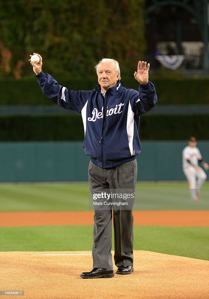 Former Detroit Tigers outfielder and Baseball Hall of Famer Al Kaline waves to the crowd before throwing out the ceremonial first pitch prior to Game Three of the World Series against the San Francisco Giants at Comerica Park on October 27, 2012 in Detroit, Michigan. The Giants defeated the Tigers 2-0.