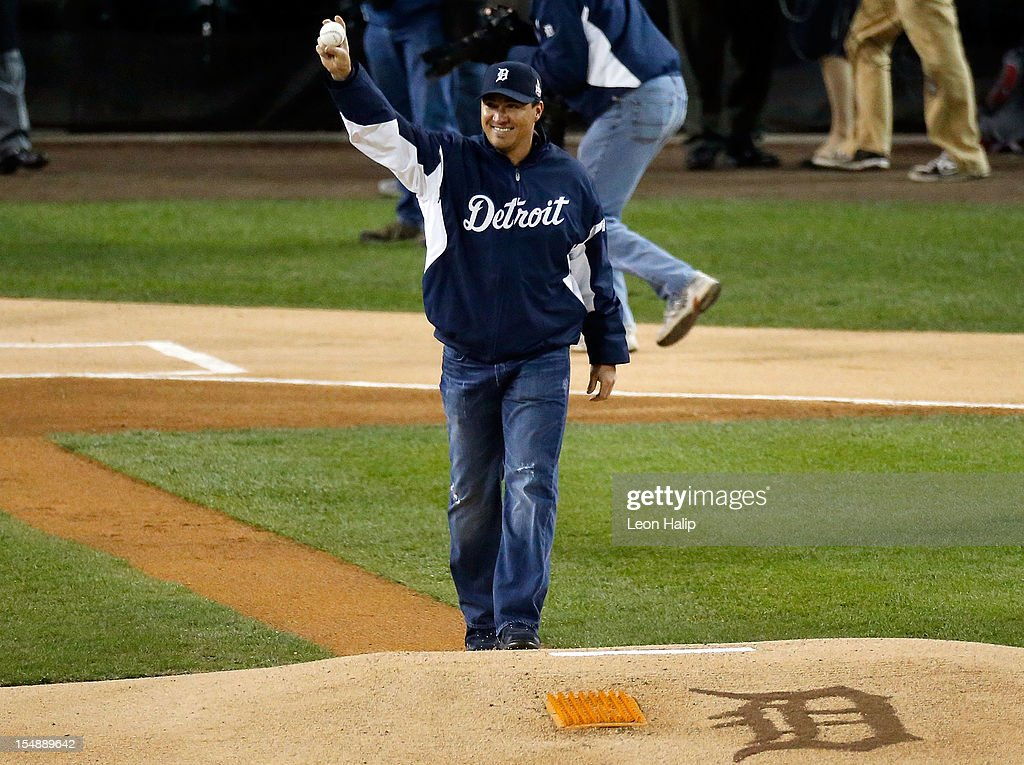 Former Detroit Tigers outfielder Magglio Ordonez waves to the crowd before throwing out the ceremonial first pitch prior to Game Four of the Major League Baseball World Series between the San Francisco Giants and the Detroit Tigers at Comerica Park on October 28, 2012 in Detroit, Michigan.