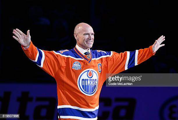 Former Edmonton Oilers forward Mark Messier greets fans during the closing ceremonies at Rexall Place following the game between the Edmonton Oilers...