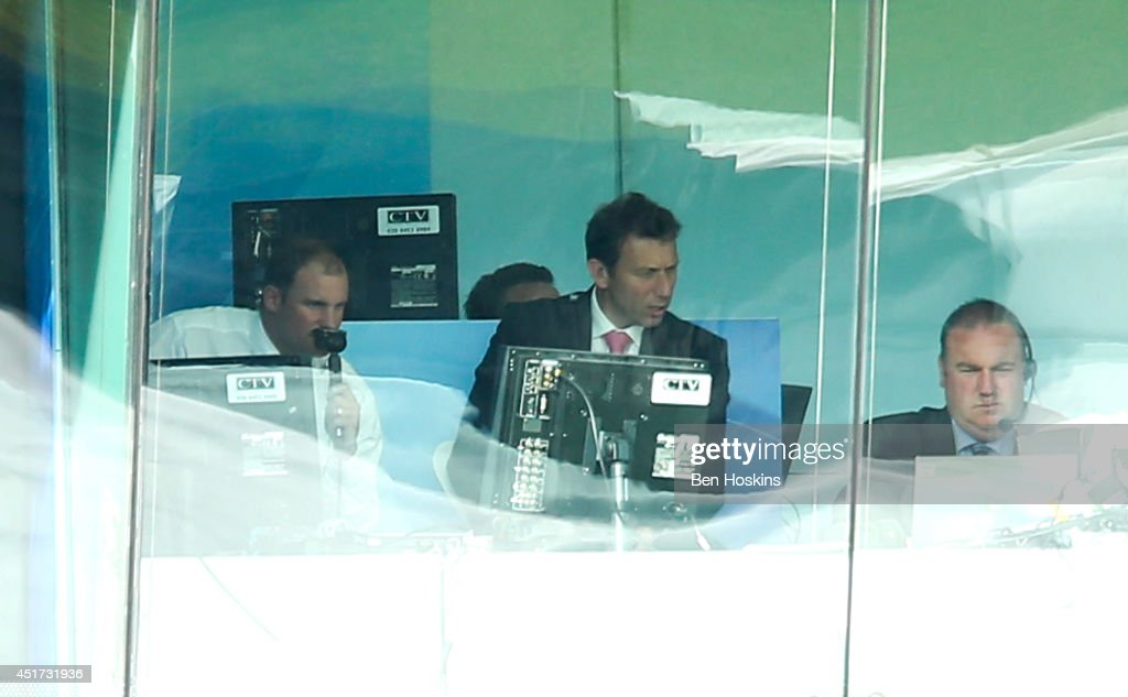 Former England captain <a gi-track='captionPersonalityLinkClicked' href=/galleries/search?phrase=Andrew+Strauss&family=editorial&specificpeople=157548 ng-click='$event.stopPropagation()'>Andrew Strauss</a> (L) commentates on the game during the MCC and Rest of the World match at Lord's Cricket Ground on July 5, 2014 in London, England.