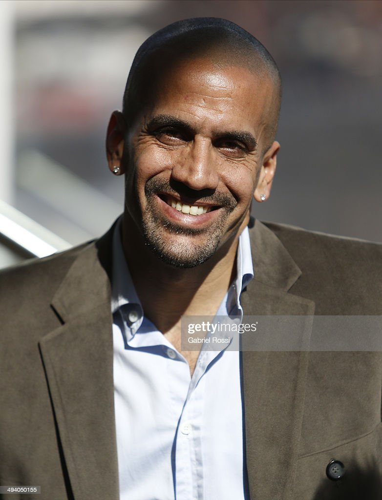 Former football player <a gi-track='captionPersonalityLinkClicked' href=/galleries/search?phrase=Juan+Sebastian+Veron&family=editorial&specificpeople=214178 ng-click='$event.stopPropagation()'>Juan Sebastian Veron</a> during a press conference to present the first edition of America's Golf Cup at Madero Walk Hall on May 27, 2014 in Buenos Aires, Argentina.