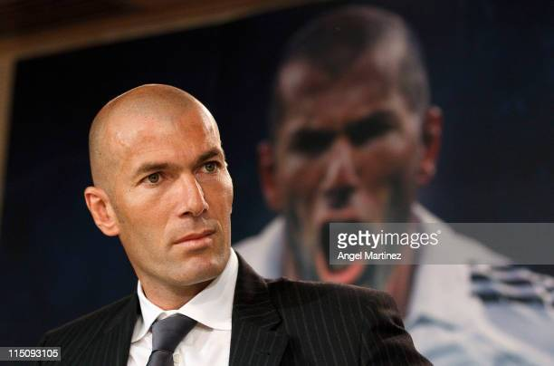 Former football player Zinedine Zidane of France and Real Madrid presents the book 'Zidane la elegancia del heroe sencillo' by Enrique Ortego at...