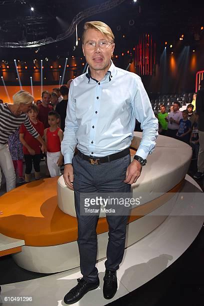 Former Formula one driver Mika Haekkinen at the tv show 'Klein gegen Gross Das unglaubliche Duell' on September 25 2016 in Berlin Germany