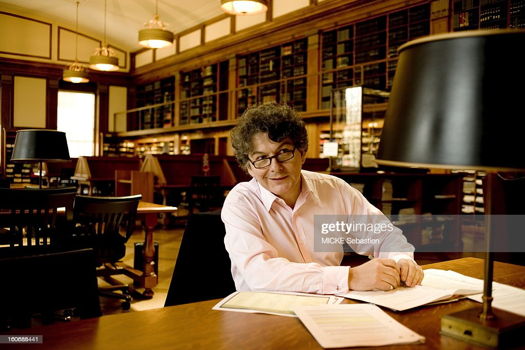 Former French Finance Minister Thierry Breton receives 'Paris Match' has BOSTON within the walls of the Harvard University where he teaches economics at the students around the world. Face plane, smiling, preparing his lectures in the library, the fourth in the world with 15.8 million volumes preserved.