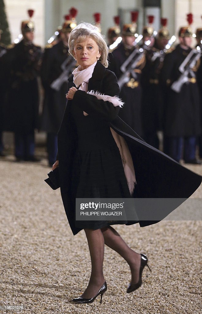 Former French Justice minister Elisabeth Guigou arrives at the Elysee Palace in Paris, on December 11, 2012, to attend a state dinner given in honour of Brazil's President. Brazilian President Dilma Roussef is on a two-day visit to France. AFP PHOTO / POOL / PHILIPPE WOJAZER