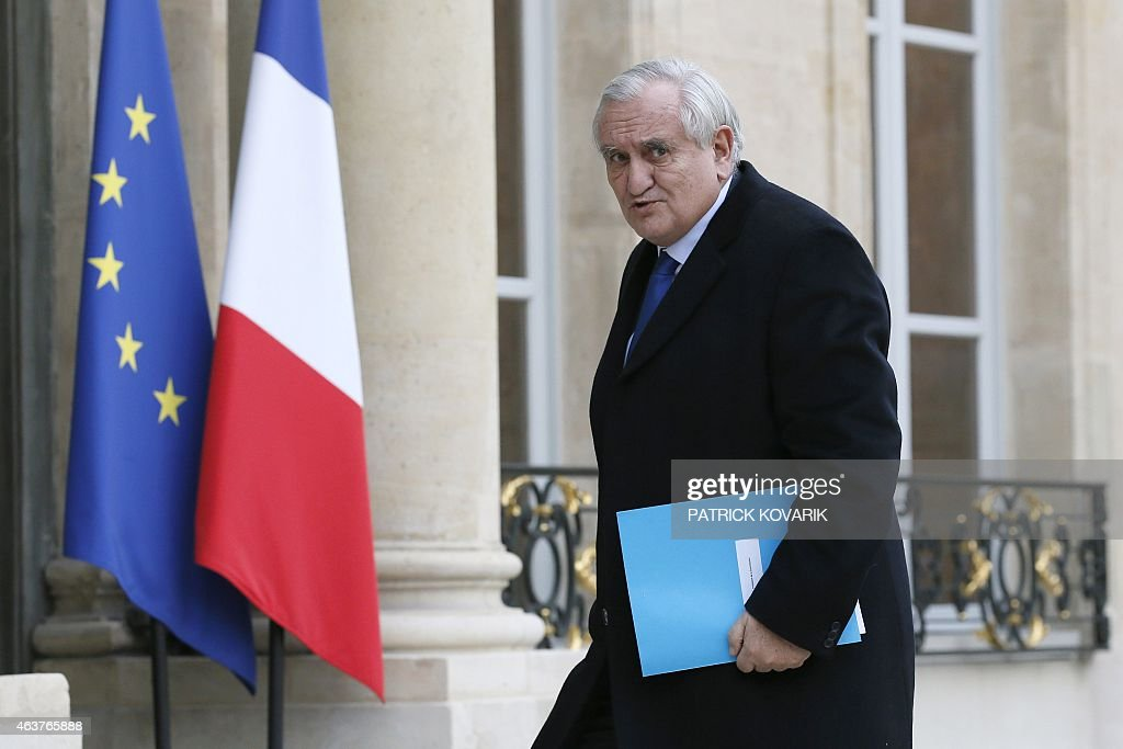 Former French Prime Minister Jean-Pierre Raffarin arrives at the Elysee Palace prior to a meeting, on February, 18, 2015 in Paris. French prime minister on February 17, 2015 decided to push a key package of economic reforms through parliament without a vote, in an emergency move that could spark a confidence vote in the government.