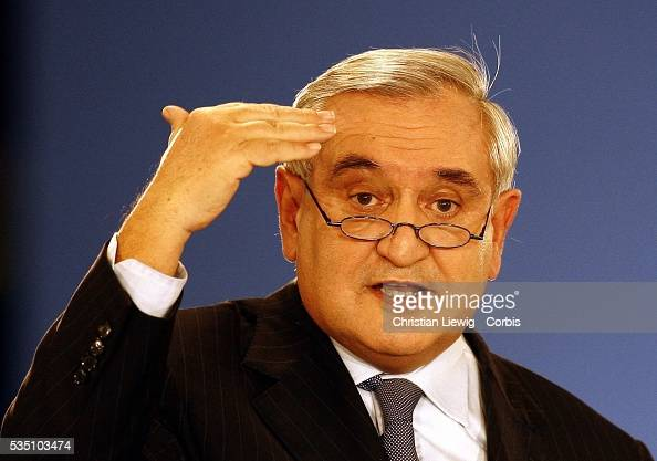 Former French Prime Minister JeanPierre Raffarin chairs the UMP miniparty forum