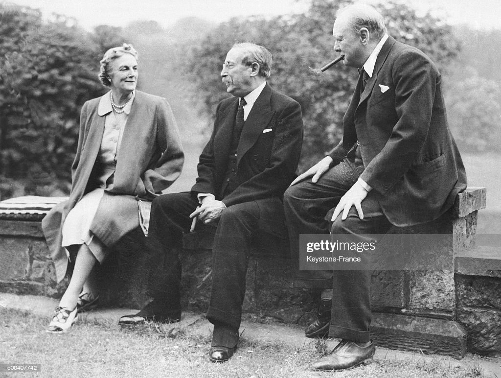Former French prime minister Leon Blum visiting the Churchill couple <a gi-track='captionPersonalityLinkClicked' href=/galleries/search?phrase=Clementine+Churchill&family=editorial&specificpeople=206586 ng-click='$event.stopPropagation()'>Clementine Churchill</a> and Winston Churchill in their property, Charwell Manor in Westerham between 1945 and 1950 in Westerham, Kent, United Kingdom.