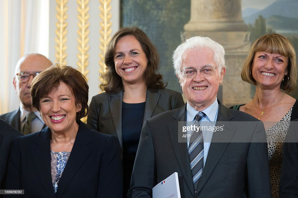 Former French Prime Minister Lionel Jospin (R) and former Health minister Roselyne Bachelot (L) pose with the members of the committee on France's Renovation and Moralization of the political scene prior to give their report to France's President on November 9, 2012 at the Elysee Palace in Paris.
