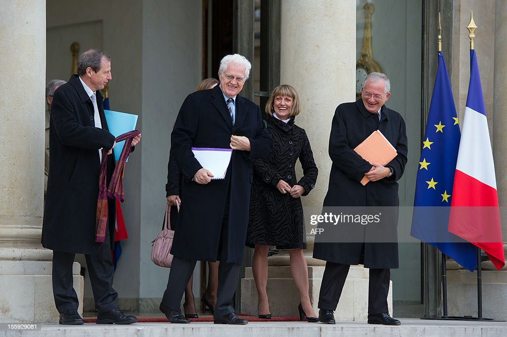 Former French Prime Minister Lionel Jospin (C) and Olivier Schrameck (R), president of Reports and Studies at the higher administrative court, the Council of State, leave a meeting with France's President on a report about France's Renovation and Moralization of the political scene at the Elysee Palace on November 9, 2012 in Paris.