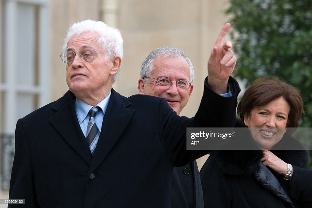 Former French Prime Minister Lionel Jospin, Olivier Schrameck, President of Reports and Studies at the higher administrative court, the Council of State, and former Health minister Roselyne Bachelot leave after a meeting with France's President on a report about France's Renovation and Moralization of the political scene at the Elysee Palace on November 9, 2012 in Paris. AFP PHOTO BERTRAND LANGLOIS