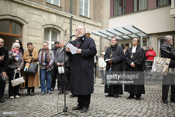 Former German Bundestag President Wolfgang Thierse gives a speech during the ecumenical Good Friday procession on April 18 2014 in Berlin Germany...
