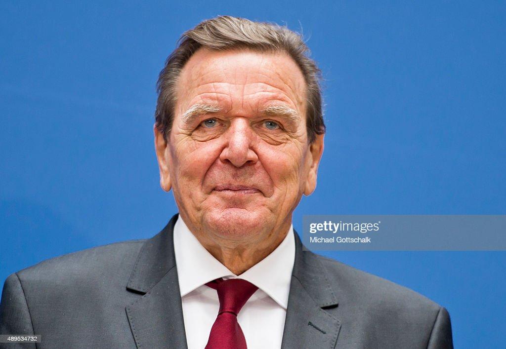 Former German Chancellor Gerhard Schroeder attends the presenation of 'Die Biographie' of 'The Biography' by biographer Gregor Schoellgen on September 22, 2015in Berlin, Germany.